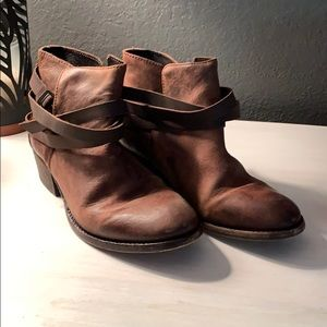 H by Hudson Brown Ankle boots Wrap calf booties
